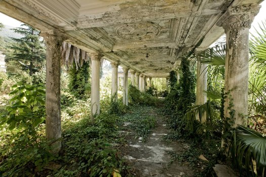 abandoned-places-14-1.jpg