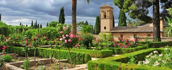 alhambra-jardines-s103822742.jpg_369272544