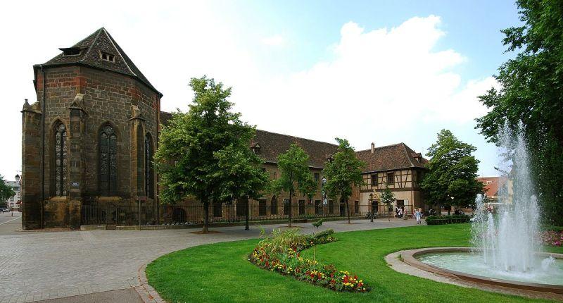 1200px-Musée_d'Unterlinden_Colmar.jpg