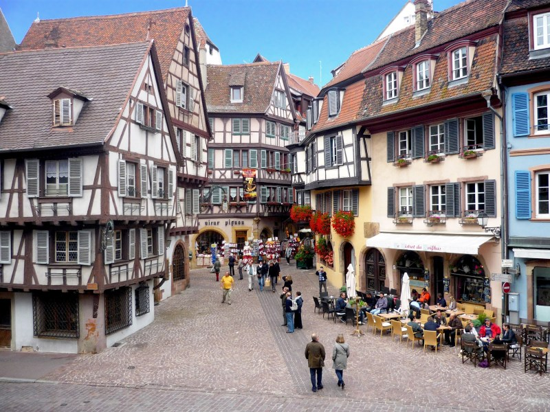 Colmar-rue-des-marchands-French-Moments.jpg