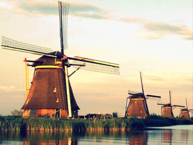Zaanse-Schans-windmills.jpg