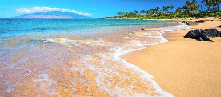 150401-10-Reasons-to-Visit-Maui-Beach.jpg