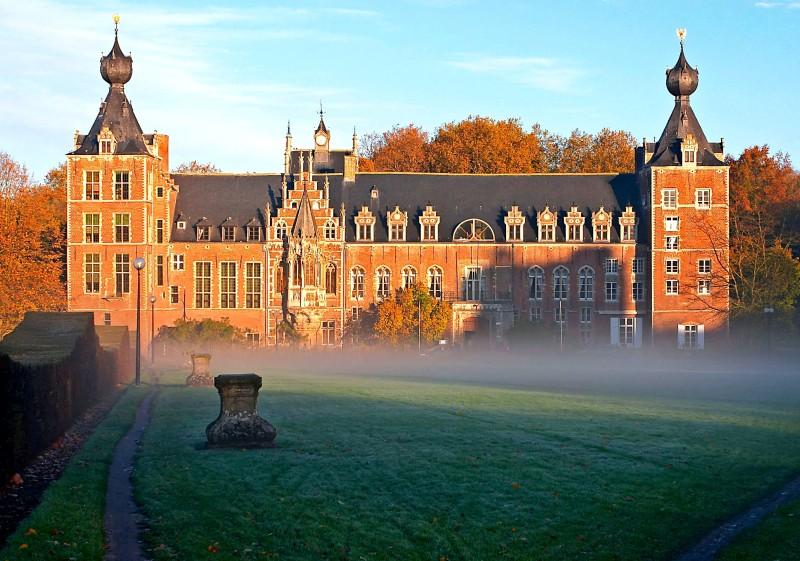 Castle_Arenberg,_Katholieke_Universiteit_Leuven_adj.jpg
